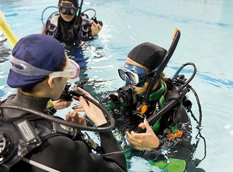 ダイビングライセンス取得の流れ:プール講習
